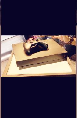Xbox one x 1Tb parduodu.-2