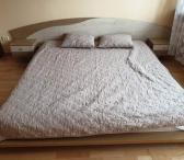 Miegamoji lova su čiužiniu, tvarkinga su spintelėm, kaina 199.99e.-0