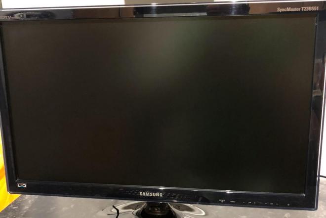 """Samsung SyncMaster Led Smart slim Full HD TV monitorius su originaliu distanciniu pulteliu, 23"""" coliai ~59cm. Tvarkingas. kaina 99.99e. yra galimybė atvezti už papildomą kainą.-0"""