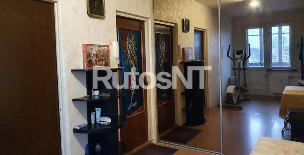 Parduodamas 3-jų kambarių su holu butas Ryšininkų g.-1