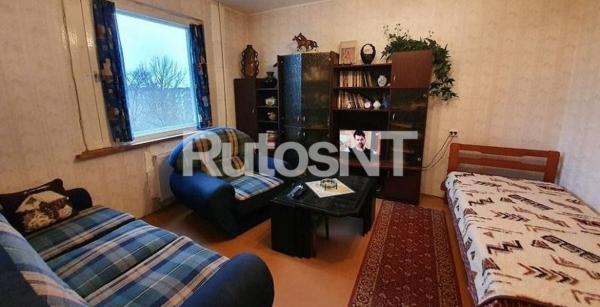 Parduodamas 3-jų kambarių su holu butas Ryšininkų g.-2