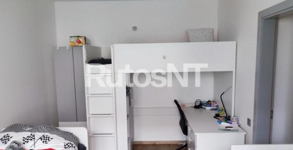 Parduodamas 2-jų kambarių su holu butas Vyturio g.-4