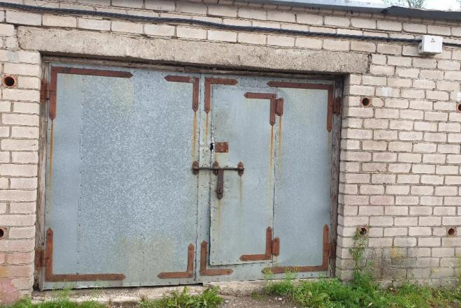 Nuomuojamas mūrinis garažas su duobe Kretingoje-0