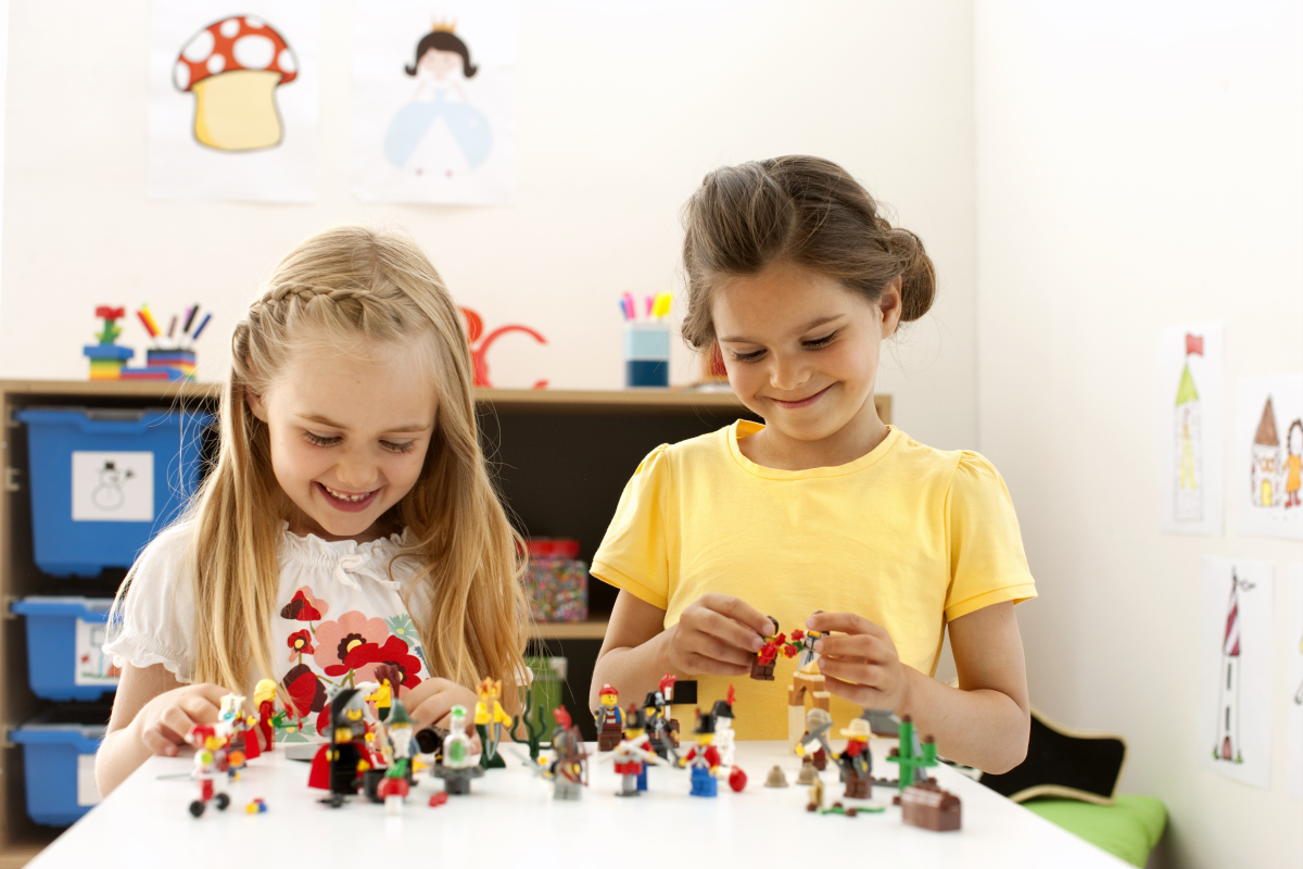Set Cuentos de Hadas y Minifiguras Históricas LEGO Education
