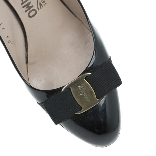 ... - Salvatore Ferragamo Black Patent Flo Vara Bow Wedge Pumps Size 39