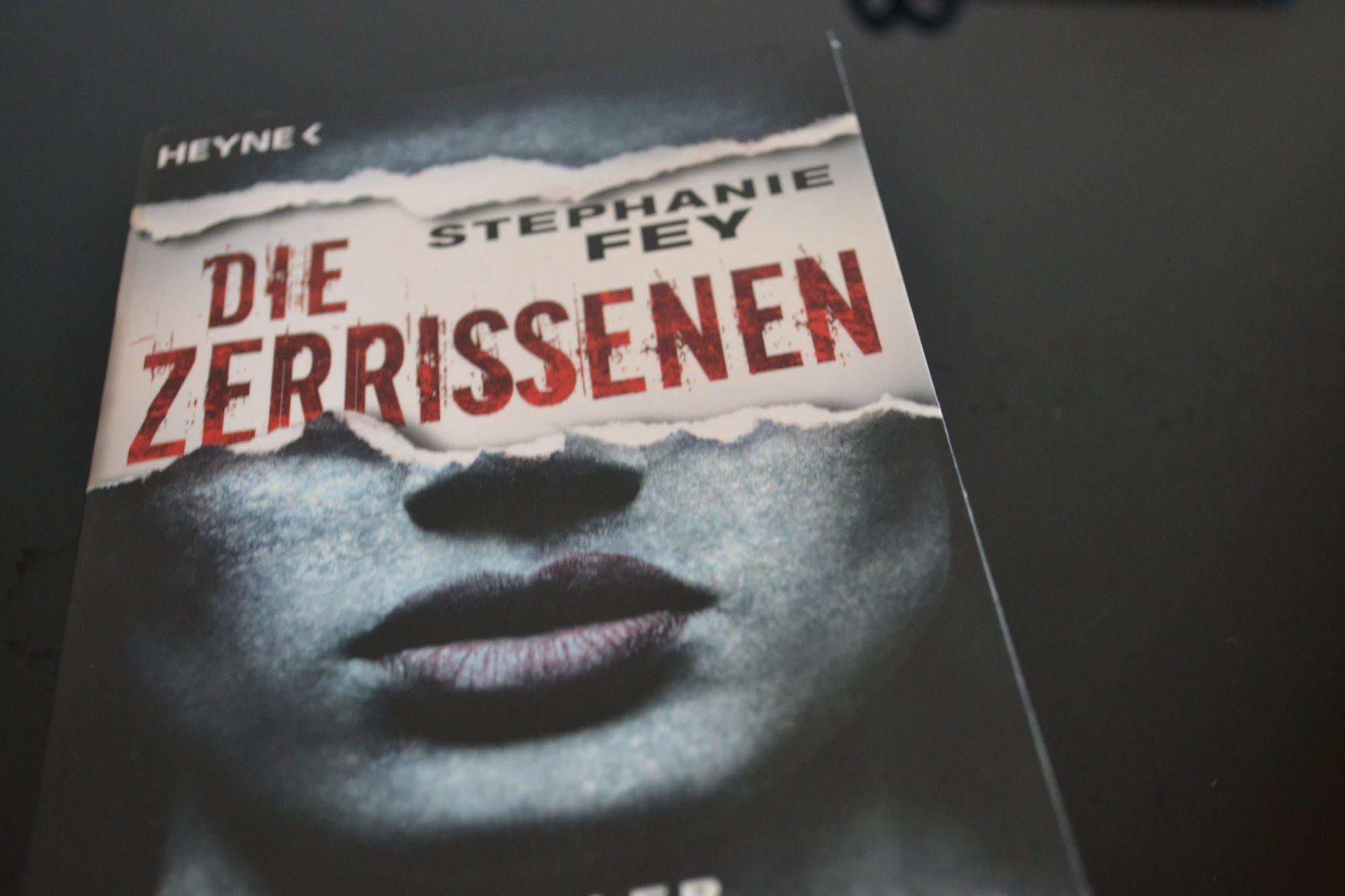 Books: Die Zerrissenen   Stephanie Fey