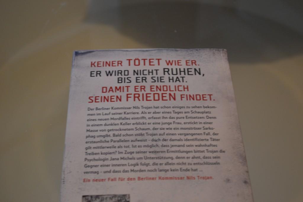 Books: Die Puppenmacherin | Max Bentow - DSC 0278 1024x683