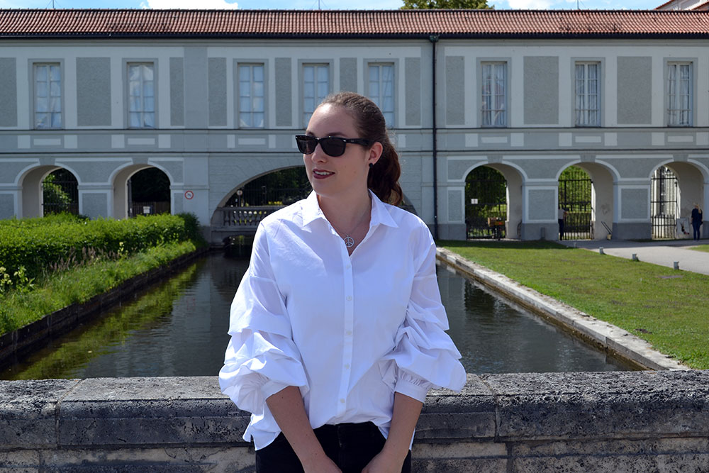 Outfit: White Blouse w/ Statement Sleeves   München - statement sleeves 2