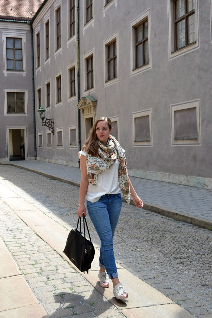 Outfit: Codello Original Dumbo Scarf & winactie // Munich - Codello 9 683x1024