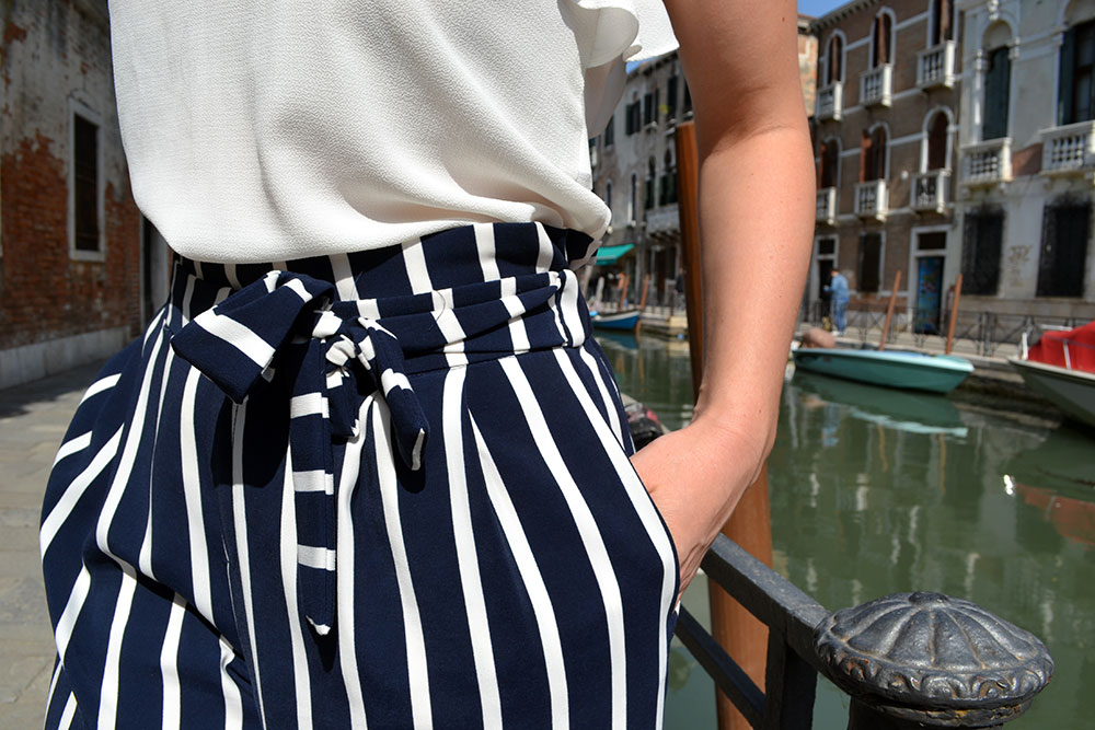 Outfit: Striped Culottes & Sneakers | Venice - Striped culottes 1