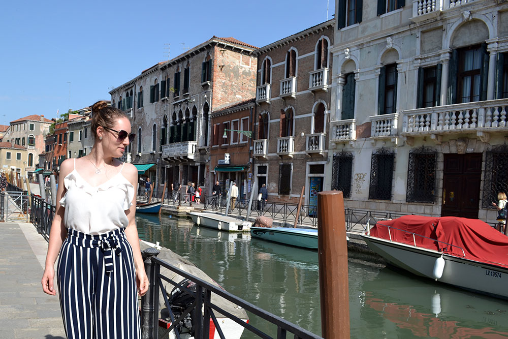 Outfit: Striped Culottes & Sneakers | Venice - Striped culottes 3