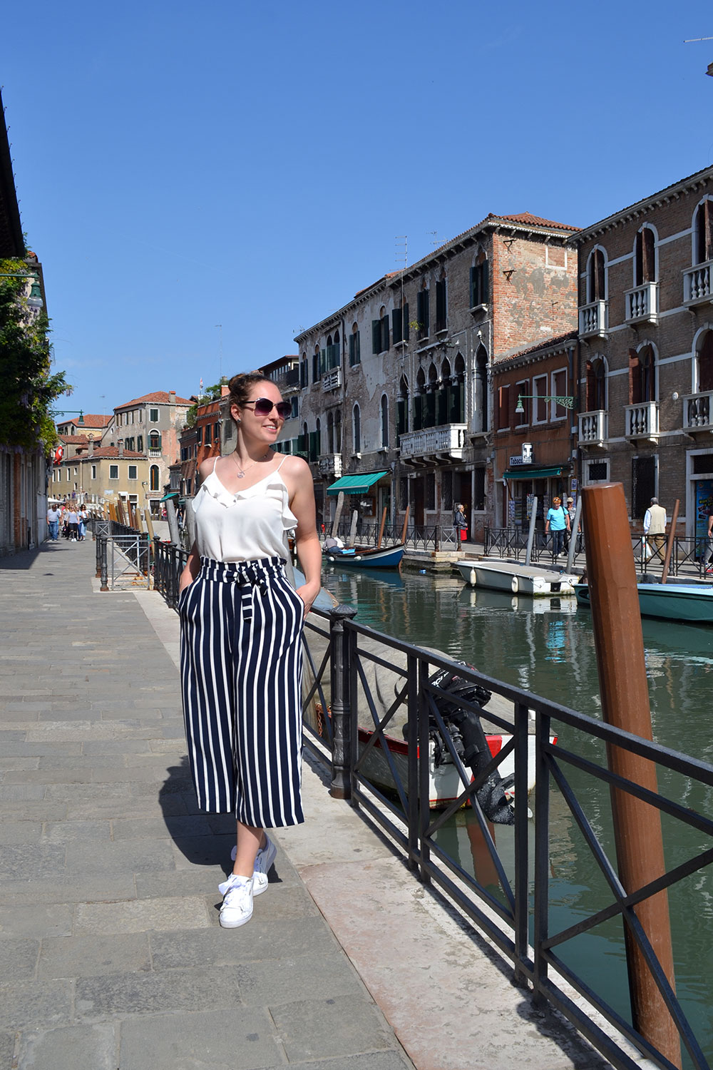 Outfit: Striped Culottes & Sneakers | Venice - Striped culottes 4