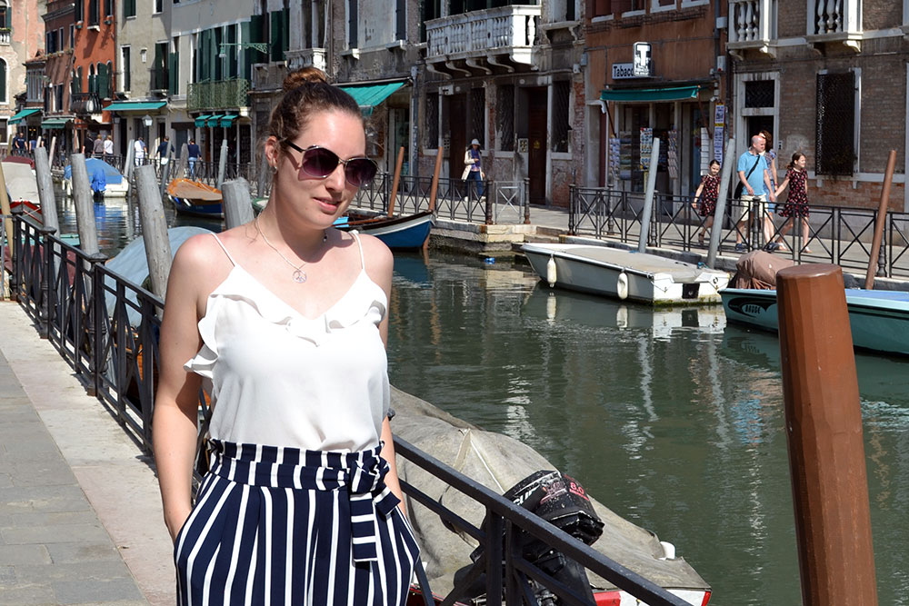 Outfit: Striped Culottes & Sneakers | Venice - Striped culottes 5