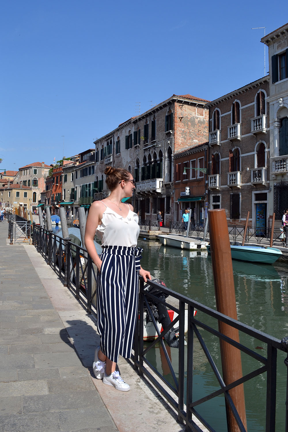 Outfit: Striped Culottes & Sneakers | Venice - Striped culottes 7