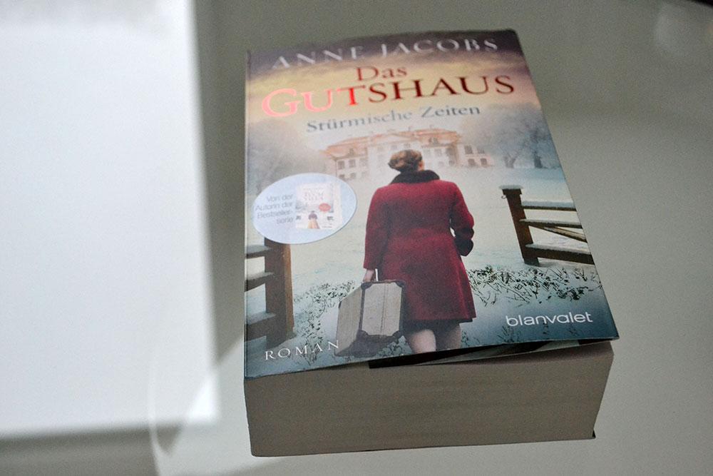 Books: Das Gutshaus – Stürmische Zeiten | Anne Jacobs