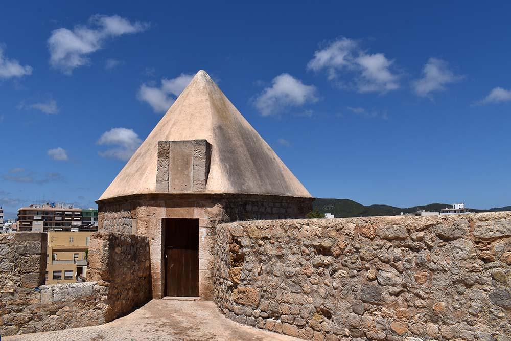 Spaziergang durch Dalt Vila | Die Altstadt von Ibiza - ibiza 4 1