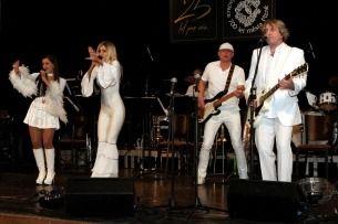 ABBASTARS - WORLD ABBA TRIBUTE