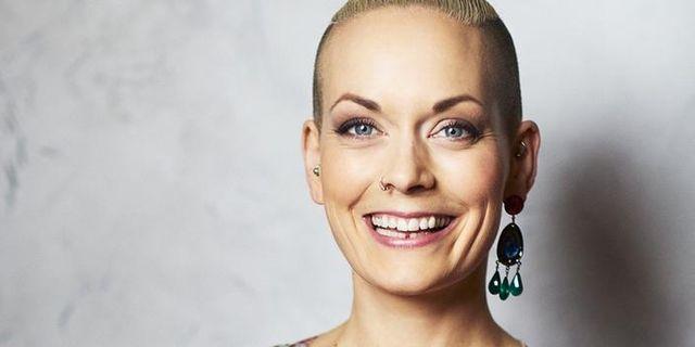 Sanna Bråding på turné med självbiografisk föreställning
