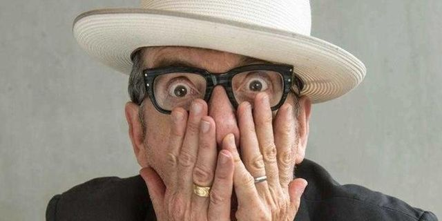 Elvis Costello till Sverige i vinter