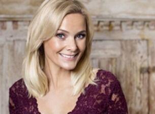 S�nger F�r Livet med Sofia K�llgren och stor k�r