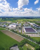 Das Schubert-Firmengelände wird um eine Montagehalle sowie ein Verwaltungsgebäude in Richtung Norden erweitert.