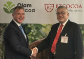 Gerard A Manley (r), CEO of Olam Cocoa, and Piter Jasman, founder of BT Cocoa
