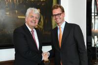 Wechsel an der BDSI-Spitze: Stephan Nießner (li.) übergab den Vorsitz an Bastian Fassin (Foto: © BDSI/Andreas Amann)