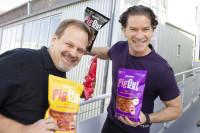 Dave Anderson (li.) und Bill Glaser präsentieren die Innovation PigOut (Foto: Katjesgreenfood)