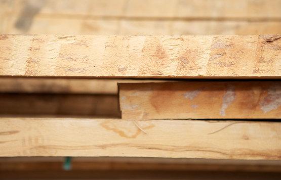C920 590 Massivholz Bohlen Seite