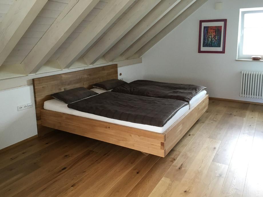 b35 schwebebett nach ma aus massivholz von frohraum. Black Bedroom Furniture Sets. Home Design Ideas
