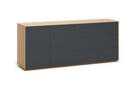 R101: Stylisches Regal aus Massivholz nach Maß von Frohraum