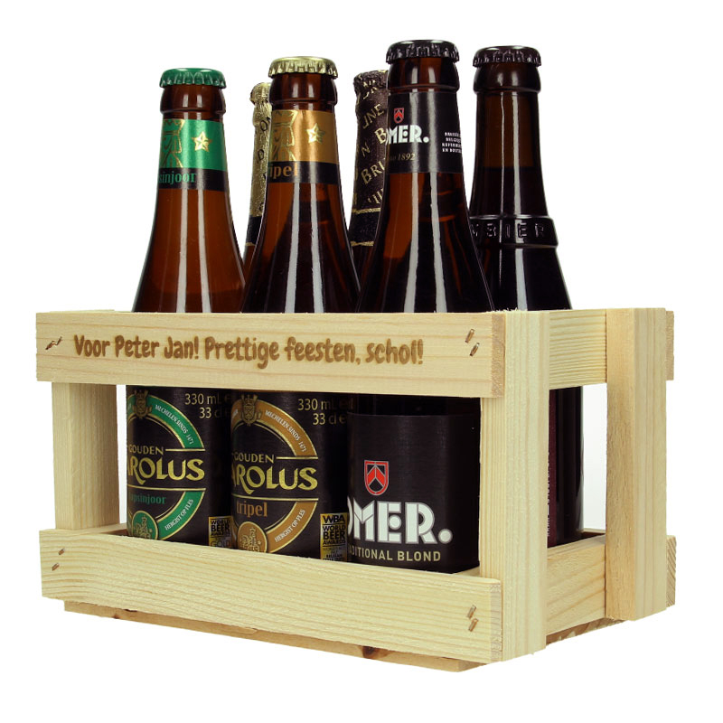 Houten flessenhouder met tekst incl. bierflesjes