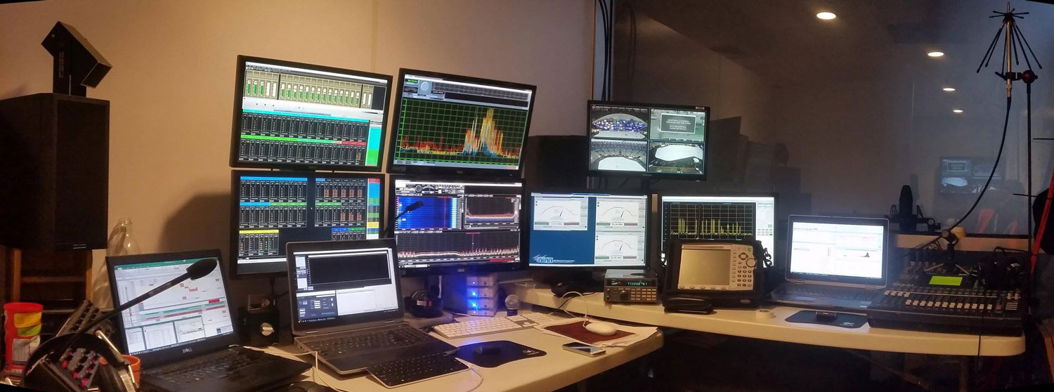 RF-Monitoring-screens.-WinRadio-receivers-centre-of-image