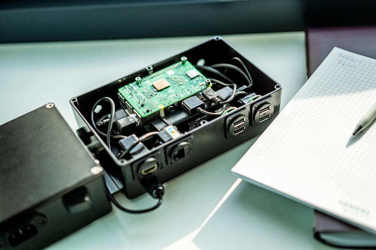 Vbudoucnu by na výrobních linkách ve ŠKODAAUTO mohlo fungovat až tisíc IoT jednotek.