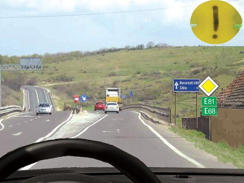 Conducătorul autoturismului din imagine va circula cu: