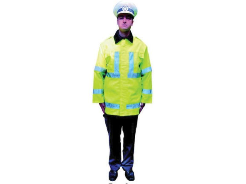 Ce semnifică această poziţie a poliţistului rutier?