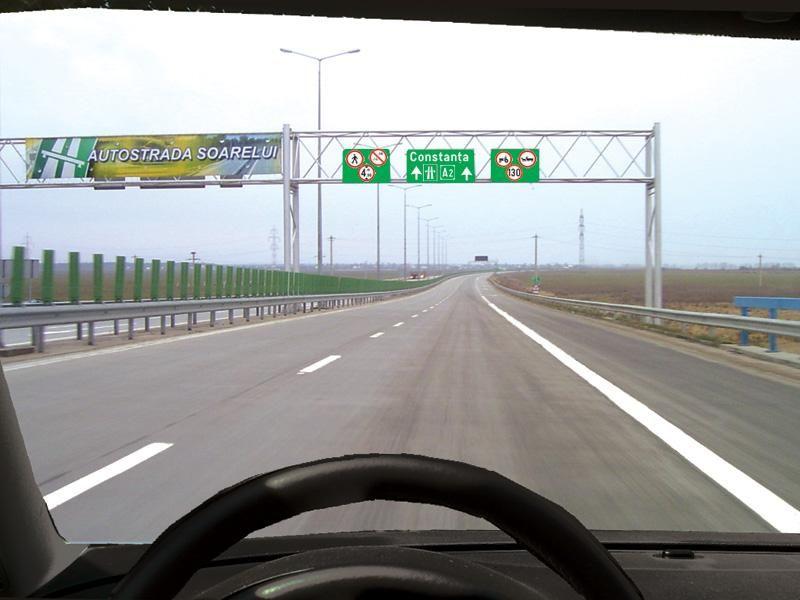 Este permisă întoarcerea pe autostradă?