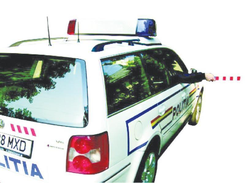 Semnalul poliţistului din autovehiculul de poliţie semnifică: