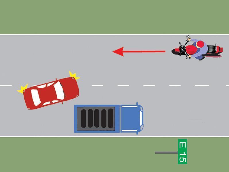 Conducatorul autocamionului din imagine a executat regulamentar oprirea?