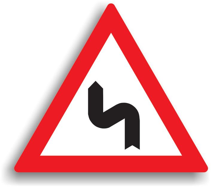Se instaleaza atunci cand urmeaza o succesiune de curbe, daca distanta dintre acestea e mai mica de 250 m. Se amplaseaza la 100-200 m inaintea primei curbe. Aceste indicatoare pot fi insotite si de panouri aditionale, pe care este specificata distanta pana la terminarea sectorului de drum periculos, daca lungimea acestuia depaseste 1000 m. Conducatorul trebuie sa circule cu viteza redusa in curbe, iar daca vizibilitatea este redusa sub 50 m., toate manevrele (depasirea, oprirea, stationarea, mersul inapoi, intoarcerea) sunt interzise.