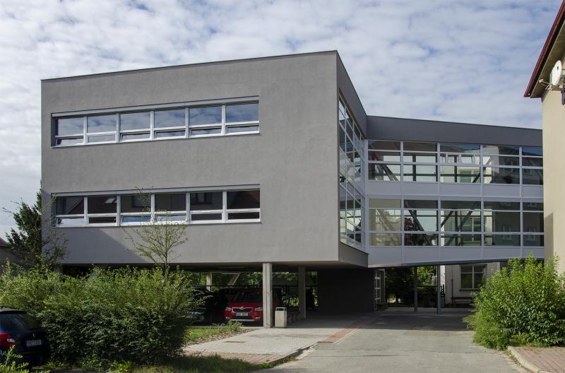 Budovy Delty - Střední škola informatiky a ekonomie, Pardubice