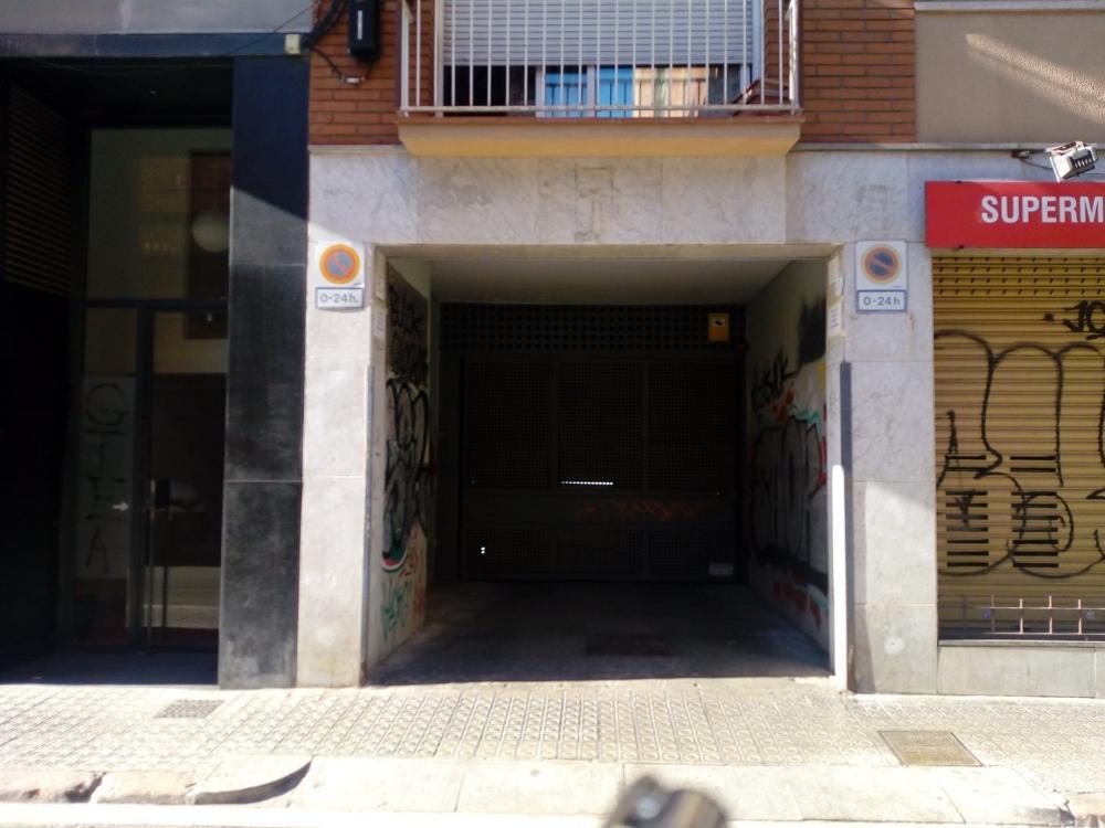 les corts-les corts barcelone parking photo 3051283