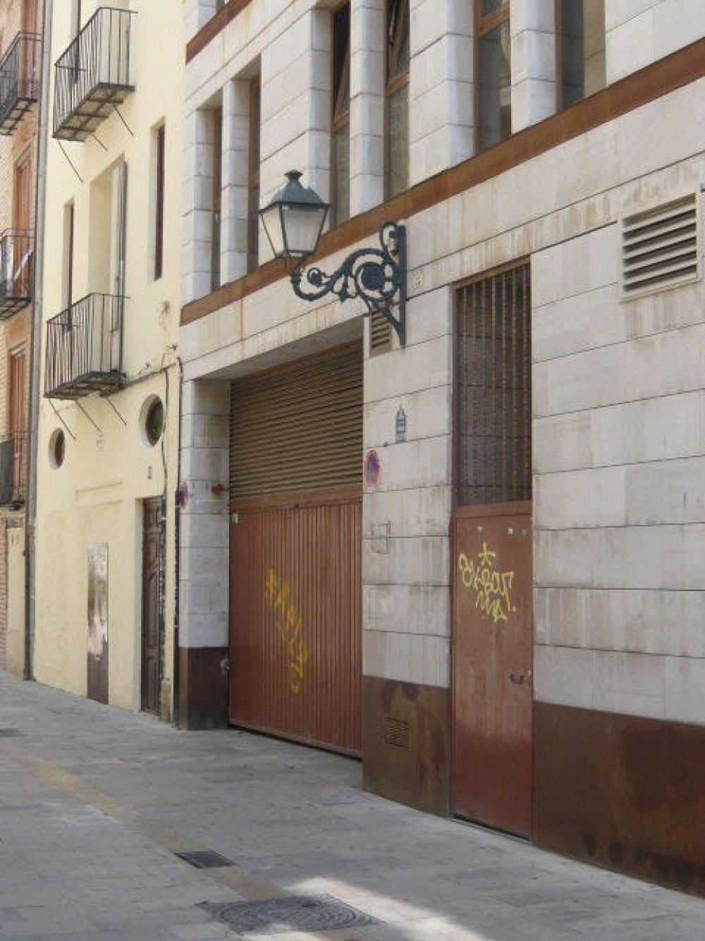 ciutat vella el pilar valencia  aparcamiento foto 3261790