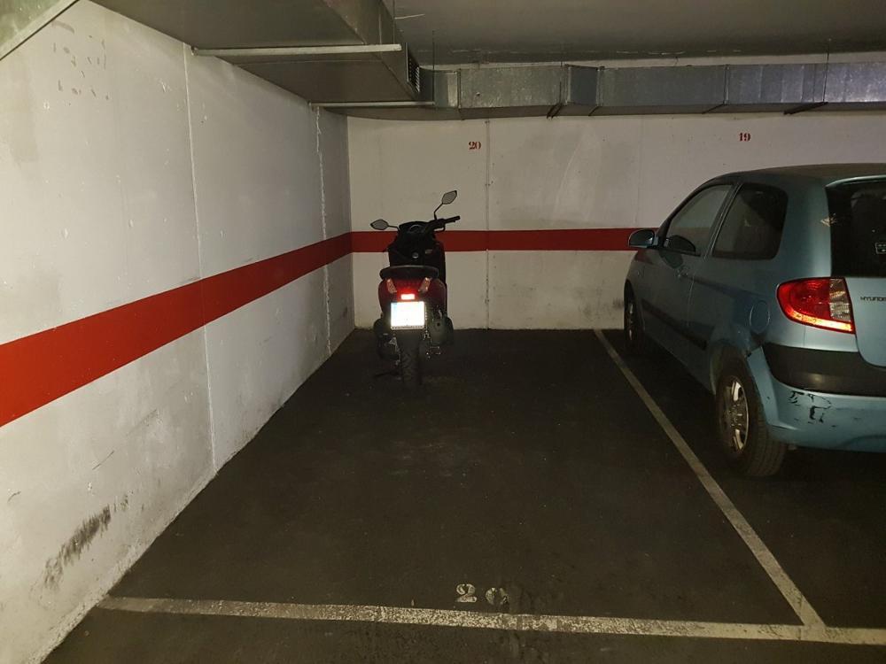nou barris-prosperitat barcelona aparcamiento foto 3282896