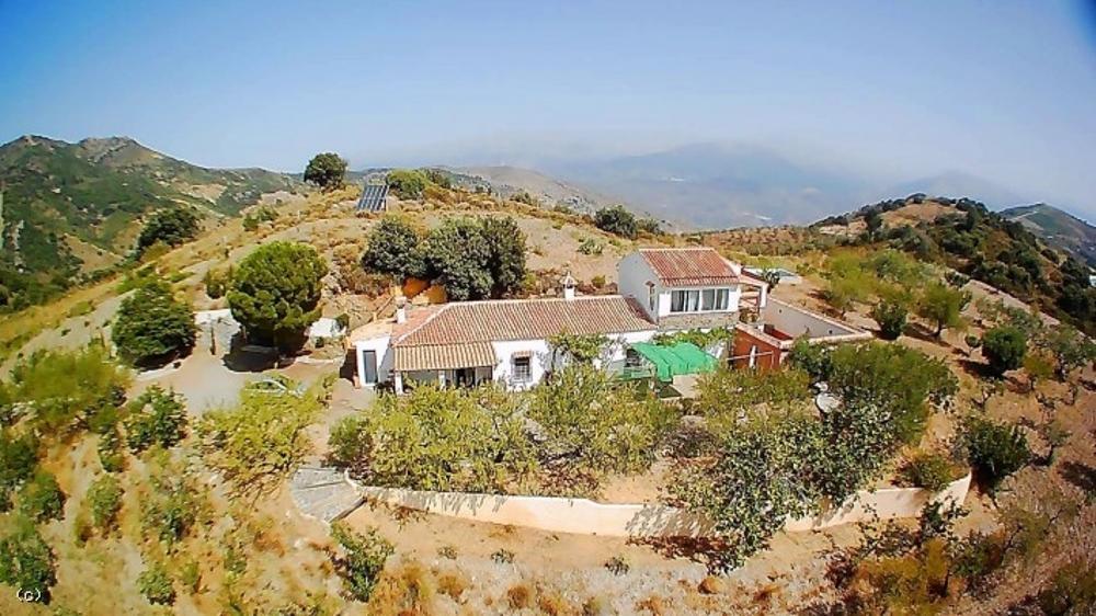 sorvilan granada hus på landet foto 3824514