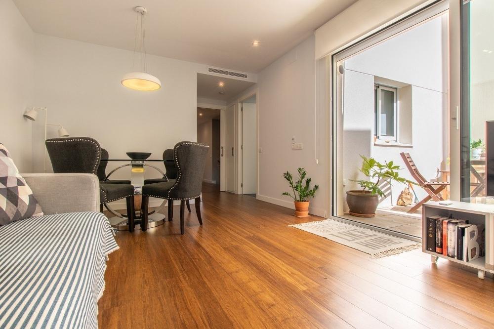 sitges barcelona Bottenvåningen lägenhet foto 3844438