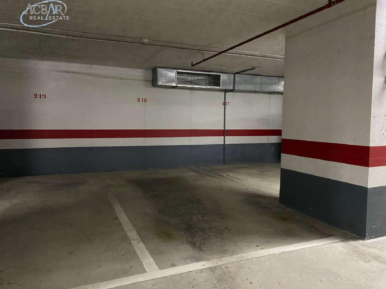 horta guinardó-montbau barcelona aparcamiento foto 4269646