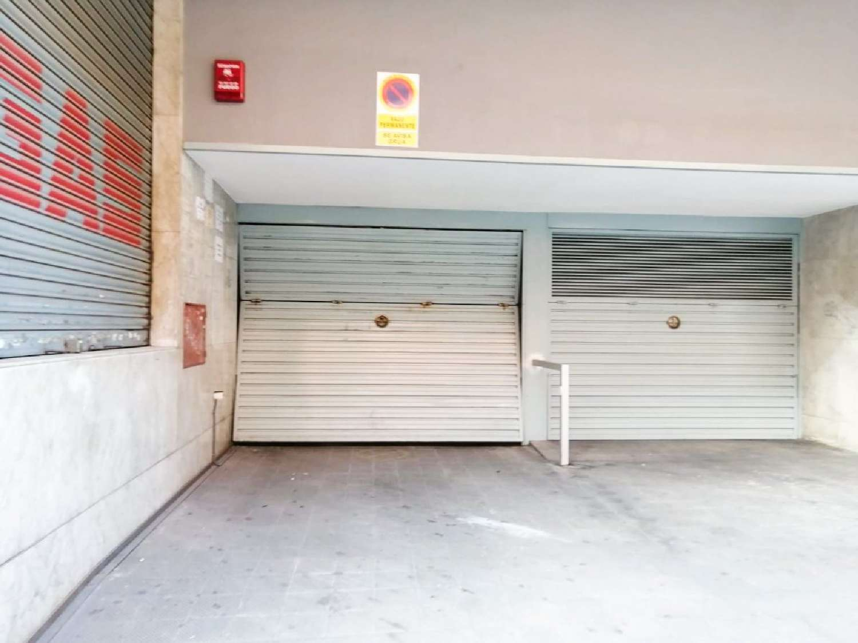 sant andreu-la trinitat vella barcelona aparcamiento foto 4281845