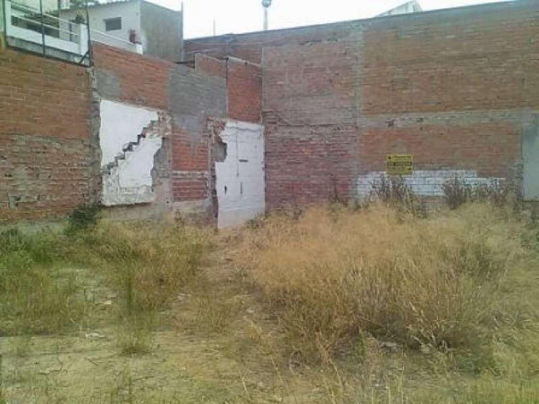 figueres girona Grundstück foto 4155162