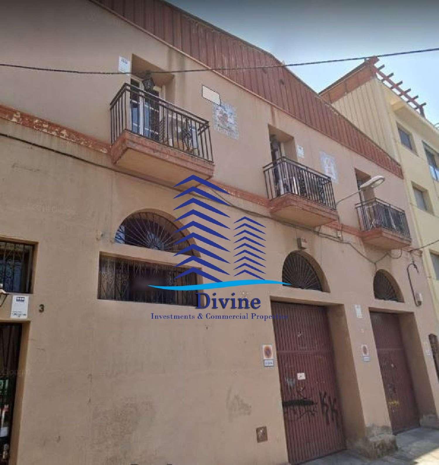 sant martí-el poblenou barcelona edificio foto 4128006